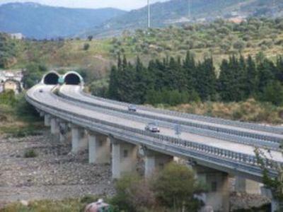 Patti: ULTIM'ORA - incidente mortale nei pressi dello svincolo autostradale