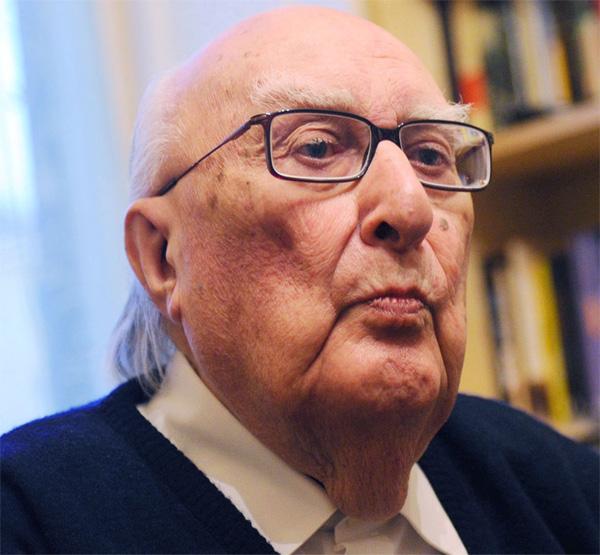 """La morte di Andrea Camilleri,  il """"padre"""" del commissario Montalbano"""