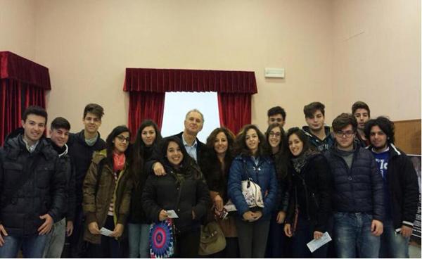 Patti: gli alunni dell'IIS Borghese-Faranda presenti alla stagione teatrale barcellonese