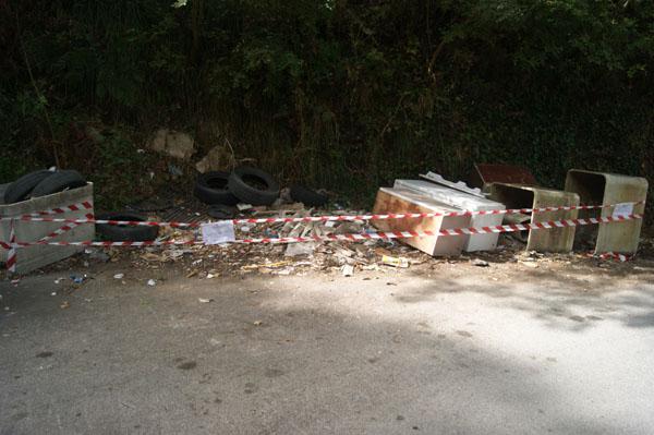 Discarica abusiva di rifiuti speciali: i Carabinieri sequestrano area di 100 mq