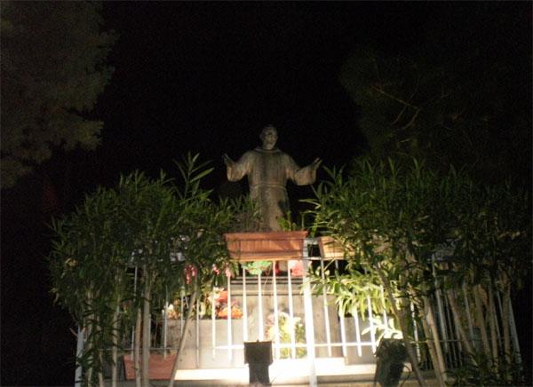 Patti: stasera la fiaccolata in onore di san Pio da Pietrelcina