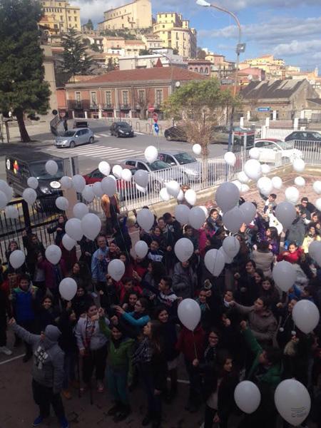Patti: la XIII Giornata Mondiale contro il cancro infantile all'istituto comprensivo Pirandello