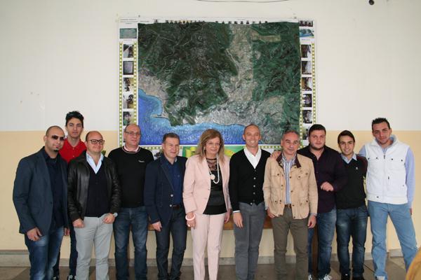 Patti: l'istituto Borghese-Faranda dona al comune un plastico del territorio pattese