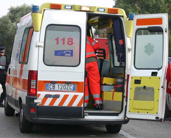 Castell'Umberto: morta in un incidente una giovane di 29 anni