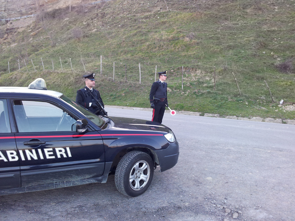 Brolo: i Carabinieri arrestano due giovani per droga, uno denunciato