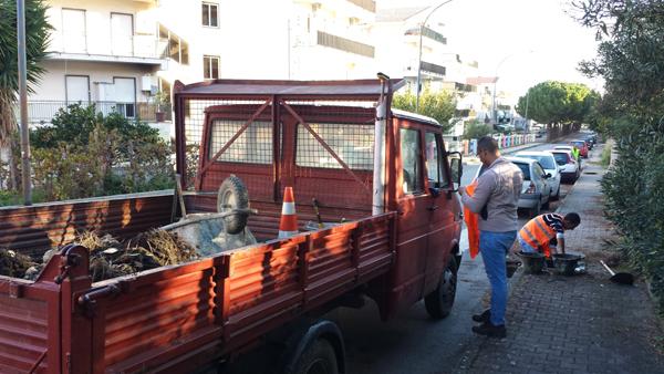 Patti: pulizia dei tombini nel quartiere San Giovanni; guarda le FOTO