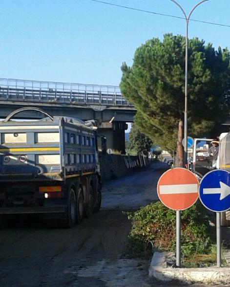 Patti: il viadotto autostradale Montagnareale continua a perdere pezzi