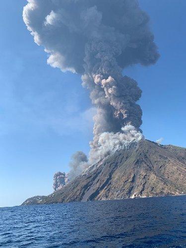 Esplosione Stromboli: al lavoro l'Unità di crisi del Dipartimento della Protezione civile