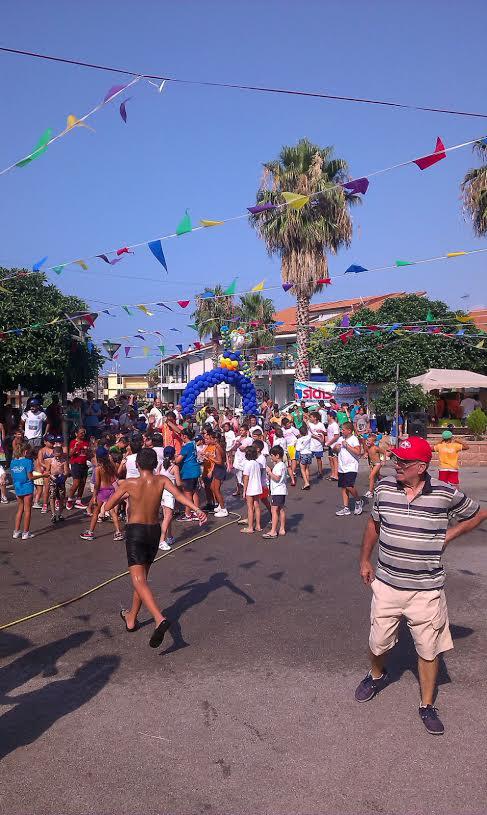 Patti: giochi, divertimento e colori per il «Summer Circus»; guarda le FOTO